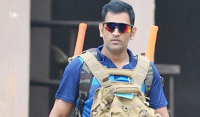Should Mahendra Singh Dhoni bat at No 4?