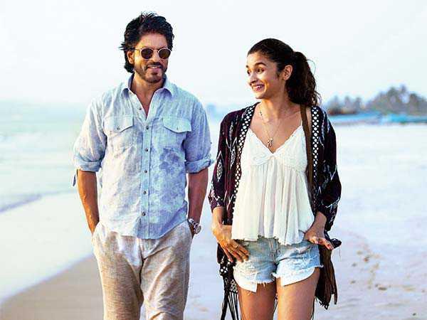 'Dear Zindagi' Trailer Reveals A New SRK