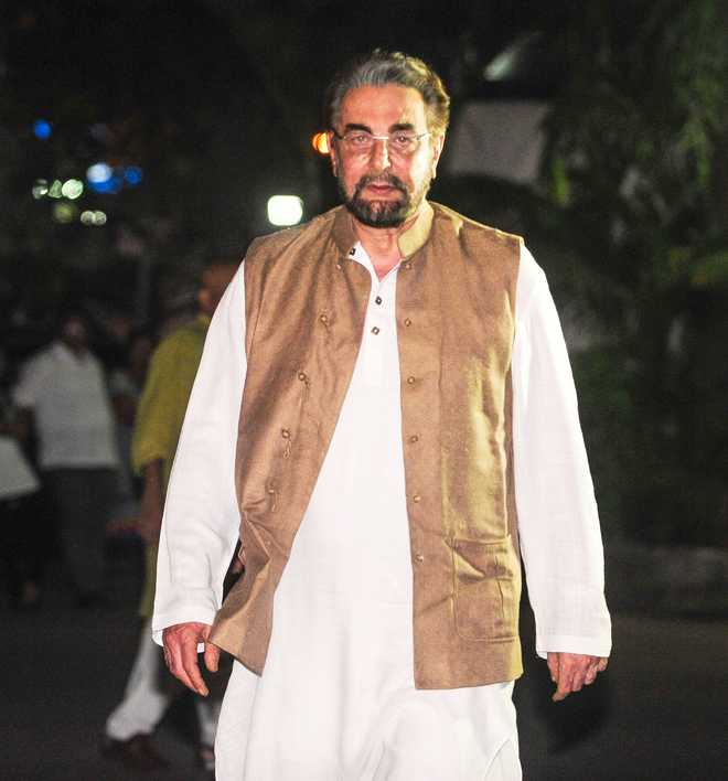Kabir Bedi Voices Support For Hillary Clinton