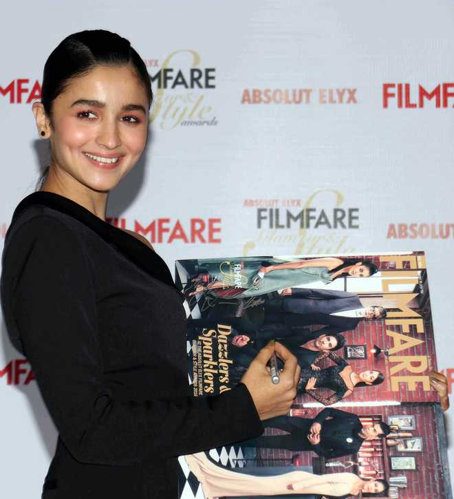 Our Thought Process Is Very Similar, Says Alia About SRK