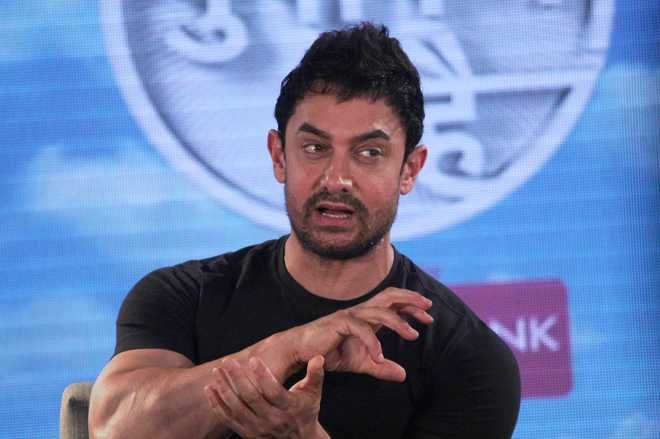 All Must Support PM On Demonetisation: Aamir