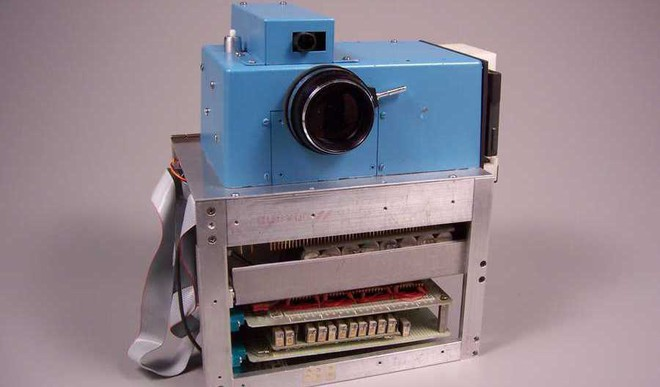 World's First Digital Camera Took 0.01MP Photos