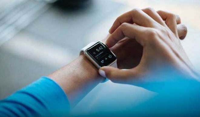 6 Hottest Smartwatches Available