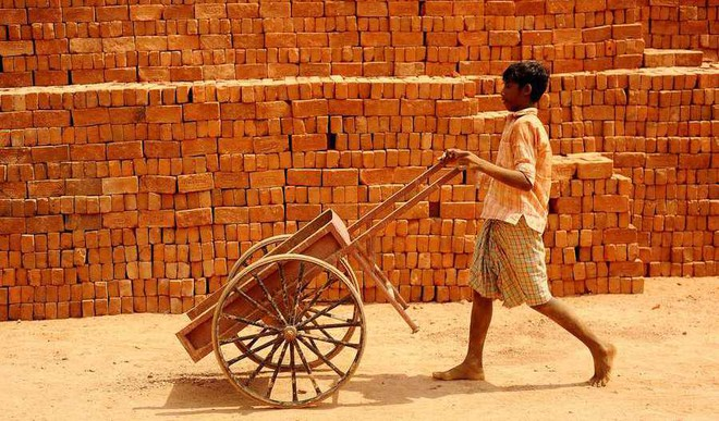 Ishika Jain: Child Labour Is A Curse. Let's Stop It