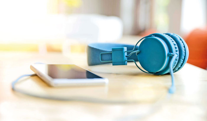4 Podcasts That'll Make You Smarter