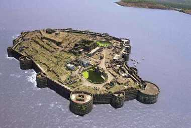 Tanishq On Murud Janjira Fort