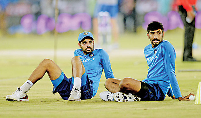 Are Bumrah And Bhuvneshwar Best Death Bowlers?