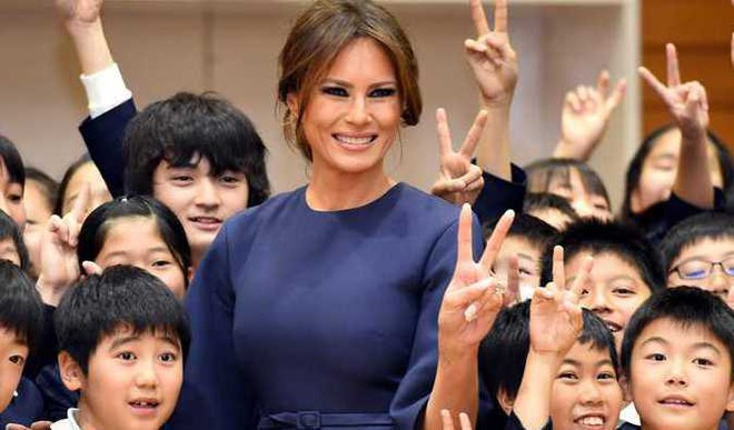 US First Lady visits Tokyo school