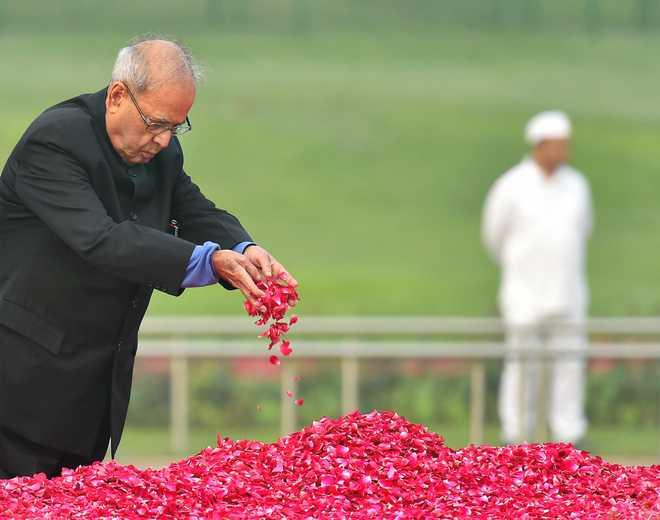 Tributes to Pandit Nehru