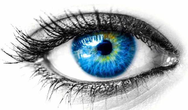 Kushagra's Poem On 'Those Eyes'