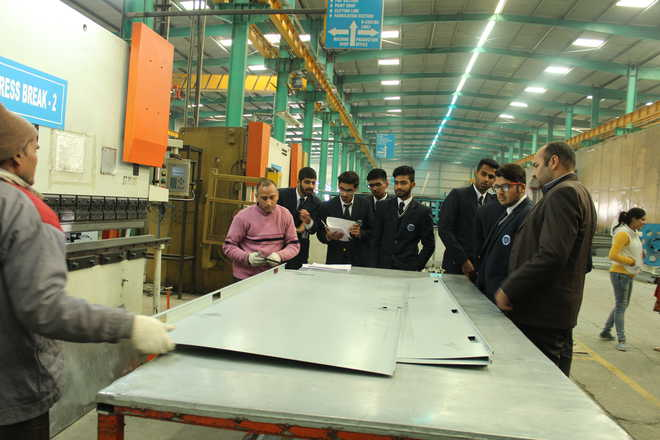 Learning Paths' Students Visit Manufacturing Unit