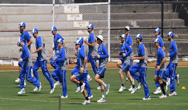 Aussies Start India Tour