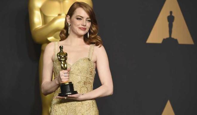 Emma Calls Oscar Fiasco 'Most Horrible Moments'