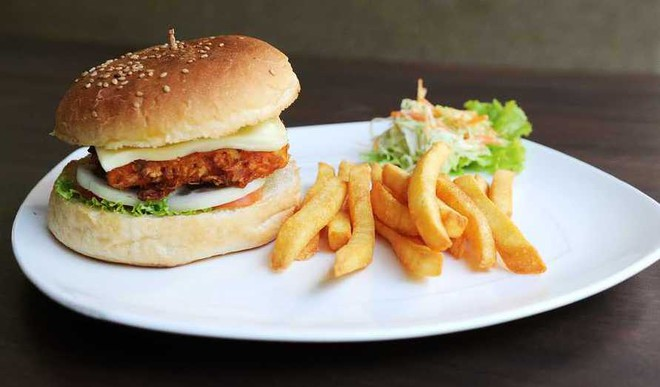 Temple Serves Burgers, Brownies as 'Prasad'!