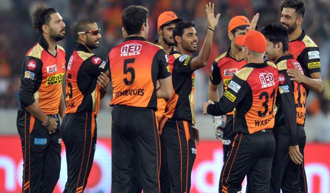 Bhuvi's 5-Wicket Help Sunrisers Win