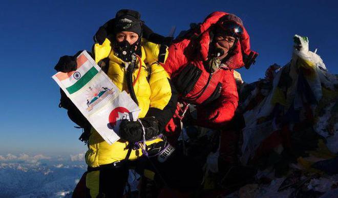 Mom Of 2 Scales Everest Twice, Creates Record