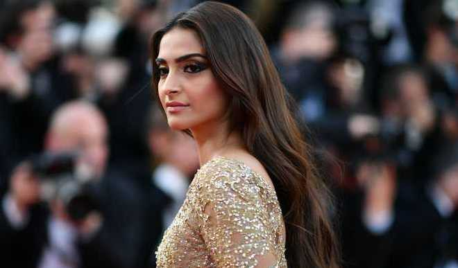 Sonam's 'Golden' Look At Cannes