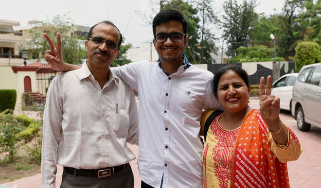 IIT Topper Gave Up Smartphone, Social Media