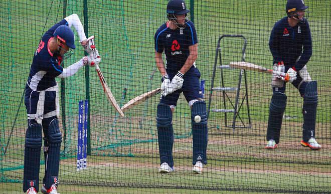 England Have Edge Against Pakistan
