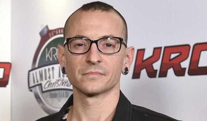 Linkin Park Singer Commits Suicide