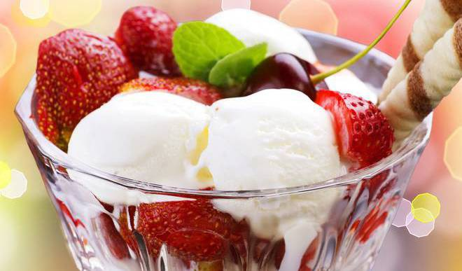 Fruit Salad With Ice Cream