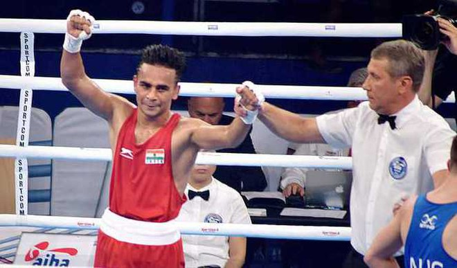 Amit Phangal Enters Boxing WC Quarters
