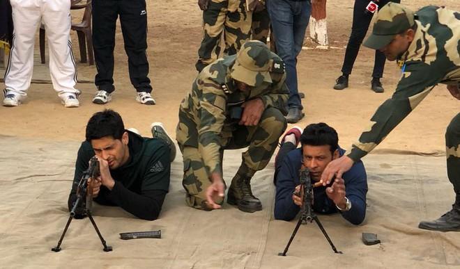 Sidharth, Manoj Train With BSF Jawans