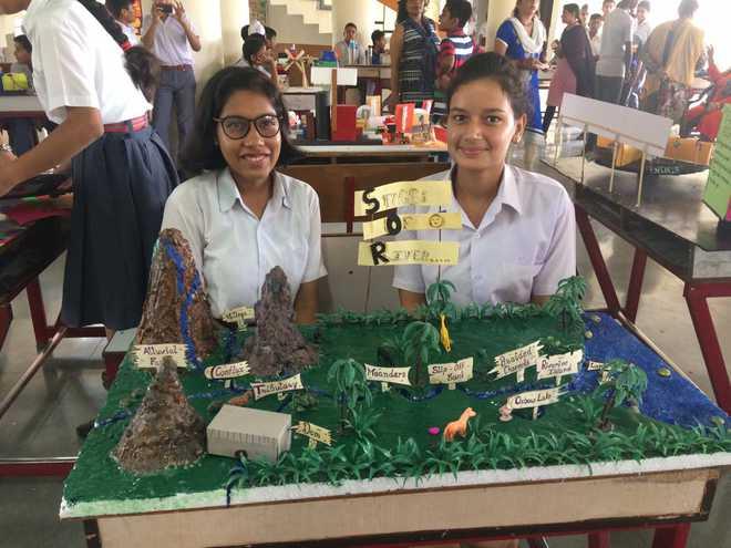 APS Chandimandir Holds Science Exhibition