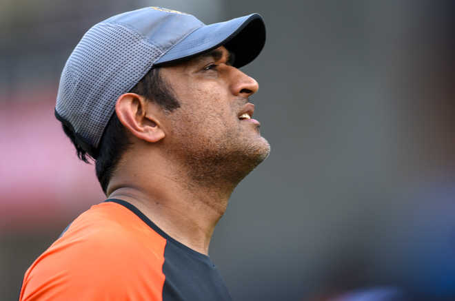 Struggling Dhoni Running Out Of Time
