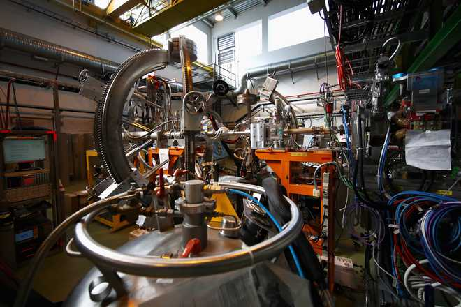 CERN scientists help Indian students