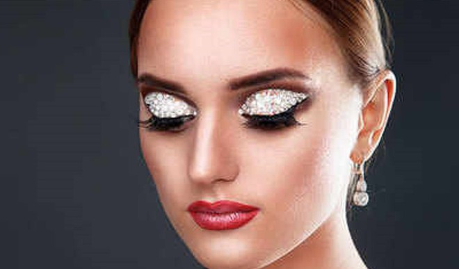 Crystal Makeup Is Year-end Party Fave