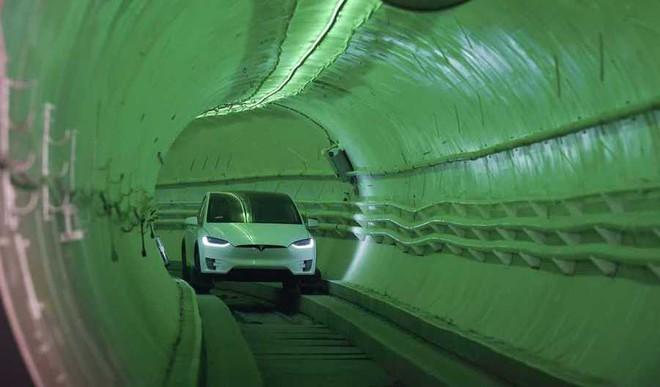 Musk Unveils Landmark Underground Tunnel