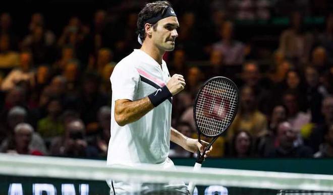 Federer Eyes 97th Career Trophy