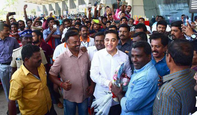 Haasan Begins Political Journey. Pays Tributes To Kalam