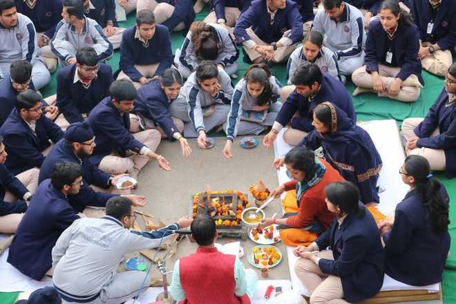 Bhavanites Take Part In Sacred Havan