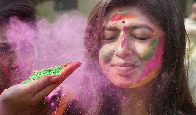 Prep Up Your Skin For Holi