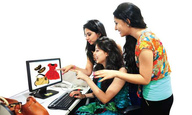 Akshpreet: Why Online Shopping Is Becoming More Popular?