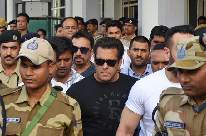 Black buck: Salman Convicted, Others Acquitted
