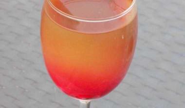 Berry Lemonade For Summer Weekend