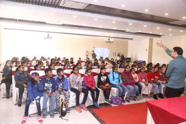 Students Enjoy Story Telling Session With Pros