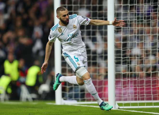 Benzema Brace Sends Real To CL Final