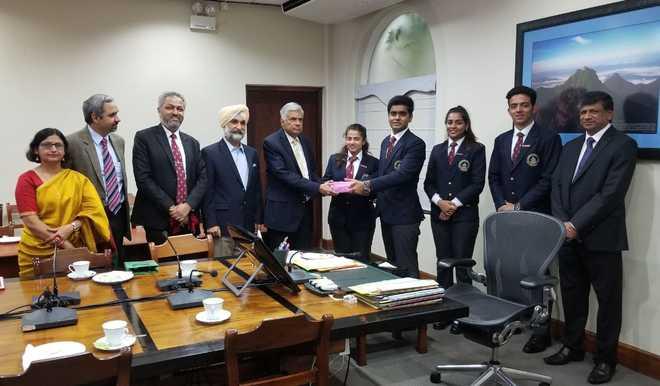 Sanawar Delegation Visits Sri Lanka, Meet PM