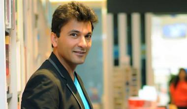Chef Vikas Khanna Launches His Debut Fiction