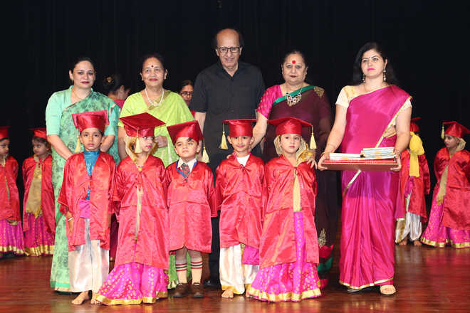 KB DAV Honours Achievers On Recognition Day