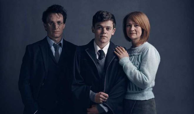 'Harry Potter...' Wins The Best Play At Tony Awards