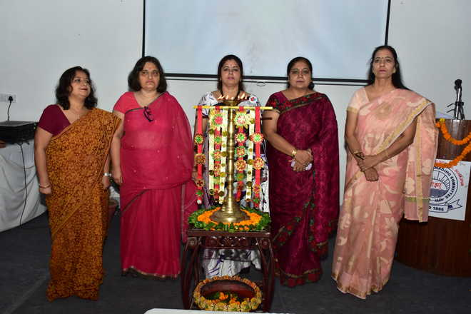 Session Lays Stress On Vedic Values