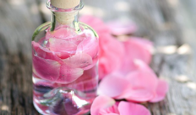Make Fresh Rose Water At Home