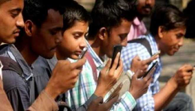 Phone Use May Up ADHD Risk In Teens