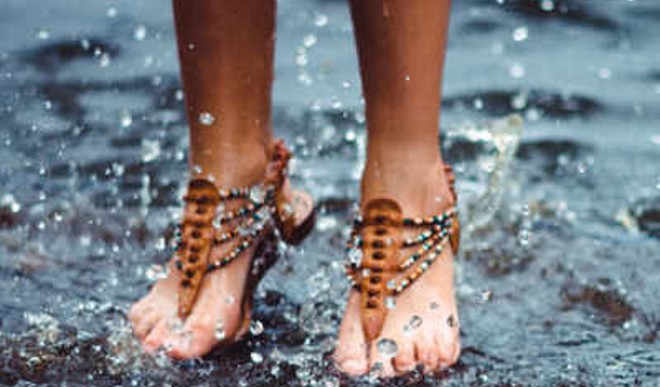Keep Your Feet Happy In Monsoon
