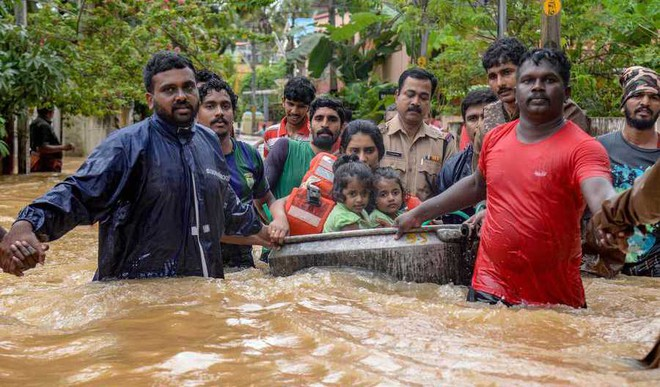 Kerala Drowns.Send In Your Prayers And Suggestions Here